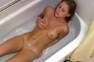 sister mastrbateing in bathtub