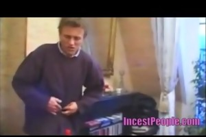 oral-job with his family - www.incestpeople.com