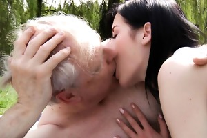 white oldman copulates brunette legal age