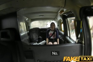 faketaxi spanish tourist struggles with large
