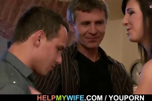 mature hubby invites him for cuckolding